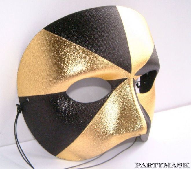 BLACK & GOLD HARLEQUIN EYE MASK